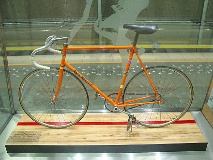 Ernesto Colnago designed the bike Merckx used (pictured) during his hour record attempt to be similar to Merckx's track bike. The bike weighed 5.9 kilograms and saw two hundred hours put into its production. EddyMerckxHourRecordBike.jpg
