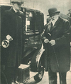 Edmond James de Rothschield, in London with taxidriver 1933.png