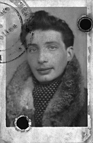 Édouard Boubat - Image: Edouard Boubat 1943