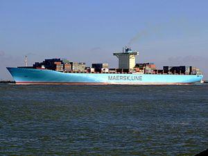 Eleonora Maersk p2 9321500, leaving Port of Rotterdam, Holland 25-Jan-2007.jpg