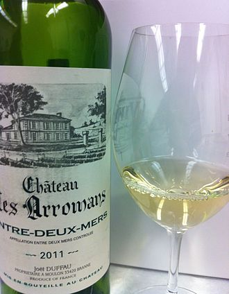 Bordeaux wine regions - A white Bordeaux from the Entre-Deux-Mers region.