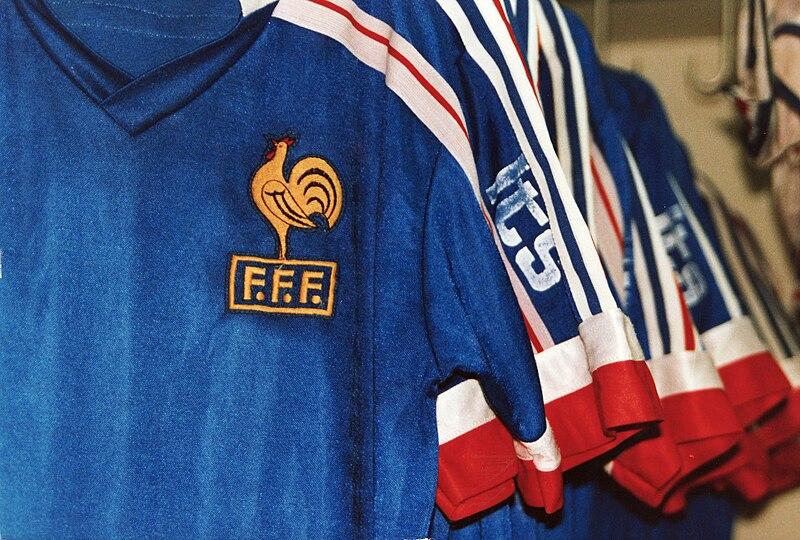 Fichier:Equipe de France - Alliance Française - Singapour 1991.jpg