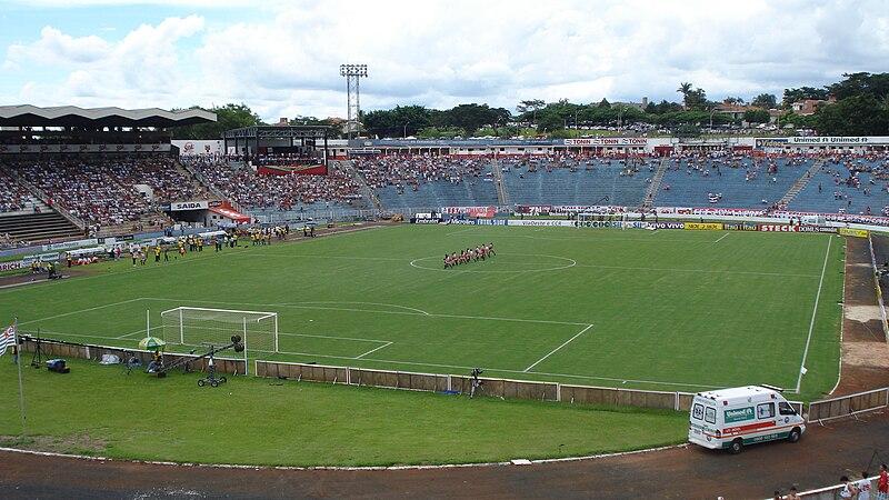 800px-Estadio_santacruz.JPG