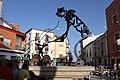 Estatua de don Quijote situada en la plaza principal de Villalpardo - panoramio.jpg
