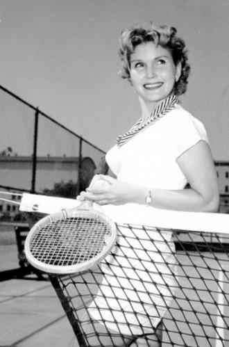 Eve McVeagh - Image: Eve Mc Veagh CBS Publicity Photo (1952)