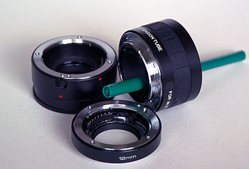English: Extension tubes for SLR camera lenses...