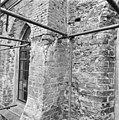 Exterieur 3e travee zuidzijde, detail links raam - Brantgum - 20039667 - RCE.jpg
