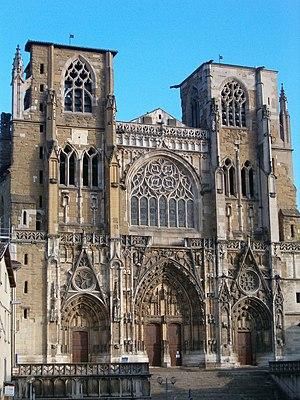 Vienne Cathedral - Image: Facade Cathédrale Vienne 2