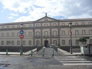 Museo de la Naturaleza y el Hombre - Image: Fachada del Museo de la Naturaleza y el Hombre, Santa Cruz de Tenerife