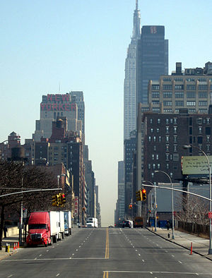 34th Street (Manhattan) - From the west end of 34th Street, looking east