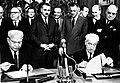 Firma del protocollo dell'accordo tra Fiat e Unione Sovietica, nelle persone di Vittorio Valletta e Aleksandr Tarasov, Torino 1966 - san dl SAN IMG-00001322.jpg