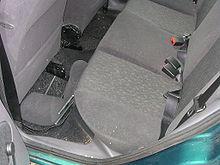 Ford Fiesta 2001 Rücksitze.jpg