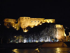 Fort Saint-Jean (Lyon) - View of fort at night from the quays of the Saône river