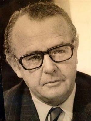 Francis Patrick Donovan - Image: Francis Patrick Donovan, Australian Diplomat, 1977