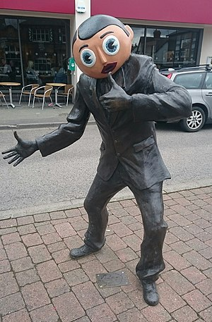 Chris Sievey - Image: Frank Sidebottom statue Timperley Manchester
