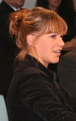http://upload.wikimedia.org/wikipedia/commons/thumb/3/30/Franka_Potente.jpg/151px-Franka_Potente.jpg