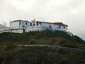Fort of São Brás (Vila do Porto) - A view of the fort as it is situated on the edge of the escarpment