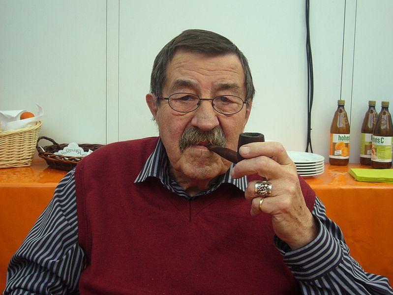 File:Günter Grass beim Blauen Sofa.jpg