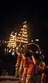 Ganga aarti with lamp vase at Dasaswamedh Ghat, Varanasi 04.jpg