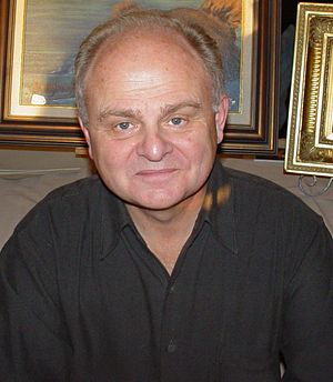 Gary Burghoff - Burghoff at a convention in 2003