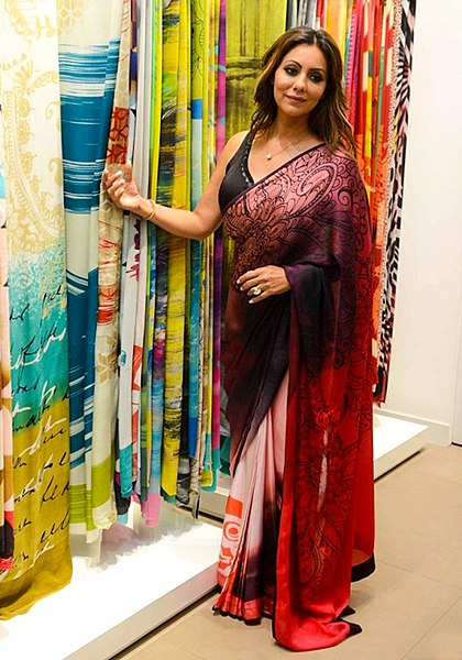File:Gauri Khan graces Satya Paul's celebrations in Delhi (01).jpg