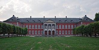 Gembloux - Image: Gembloux Abbey, current home of Gembloux Agro Bio Tech (DSCF7631)