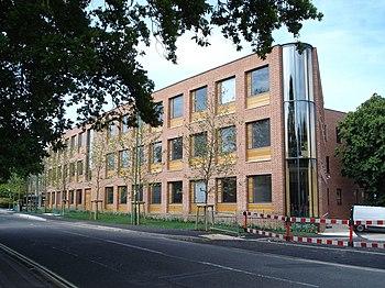 L'edificio che ospita i Servizi professionali, presso l'Highfield campus.