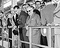 Getúlio Vargas e Juscelino Kubitschek na década de 1950 (cropped).jpg