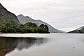 Glenfinnan, Denkmal Bonnie Prince Charlie am Loch Shiel (38584947902).jpg