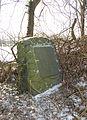 Grabstein auf der Insel im Schlossteich Flechtingen.JPG