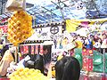 HK Victoria Park Flower Fair Sunday 雞蛋仔 吹氣公仔.JPG