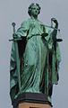 Halbig-Statue-Justitia-Gerechtigkeit-Maximilianstrasse-Muenchen.JPG