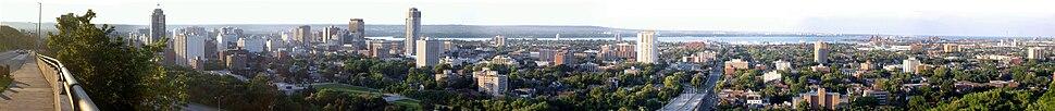 Panoramic view of lower Hamilton from Sam Lawrence Park near Concession Street on the Niagara Escarpment (Hamilton Mountain).