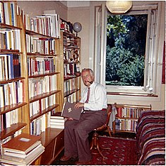 Hans Martin Sutermeister at home, aug. 1961.JPG