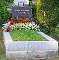 Hauer Josef Matthias Dornbacher Friedhof.jpg