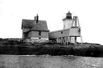 Hendricks Head Lighthouse ME.JPG