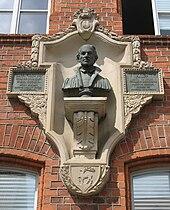 Melanchthon-Büste am Philipp-Melanchthon-Gymnasium in Herzberg (Quelle: Wikimedia)