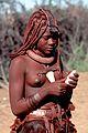 Himba-Mädchen mit Conus.jpg