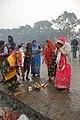 Hindu Devotees Pray To Ganga - Makar Sankranti Observance - Baje Kadamtala Ghat - Kolkata 2018-01-14 6562.JPG