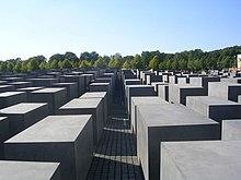 Uno scorcio del Memoriale per gli ebrei assassinati d'Europa a Berlino