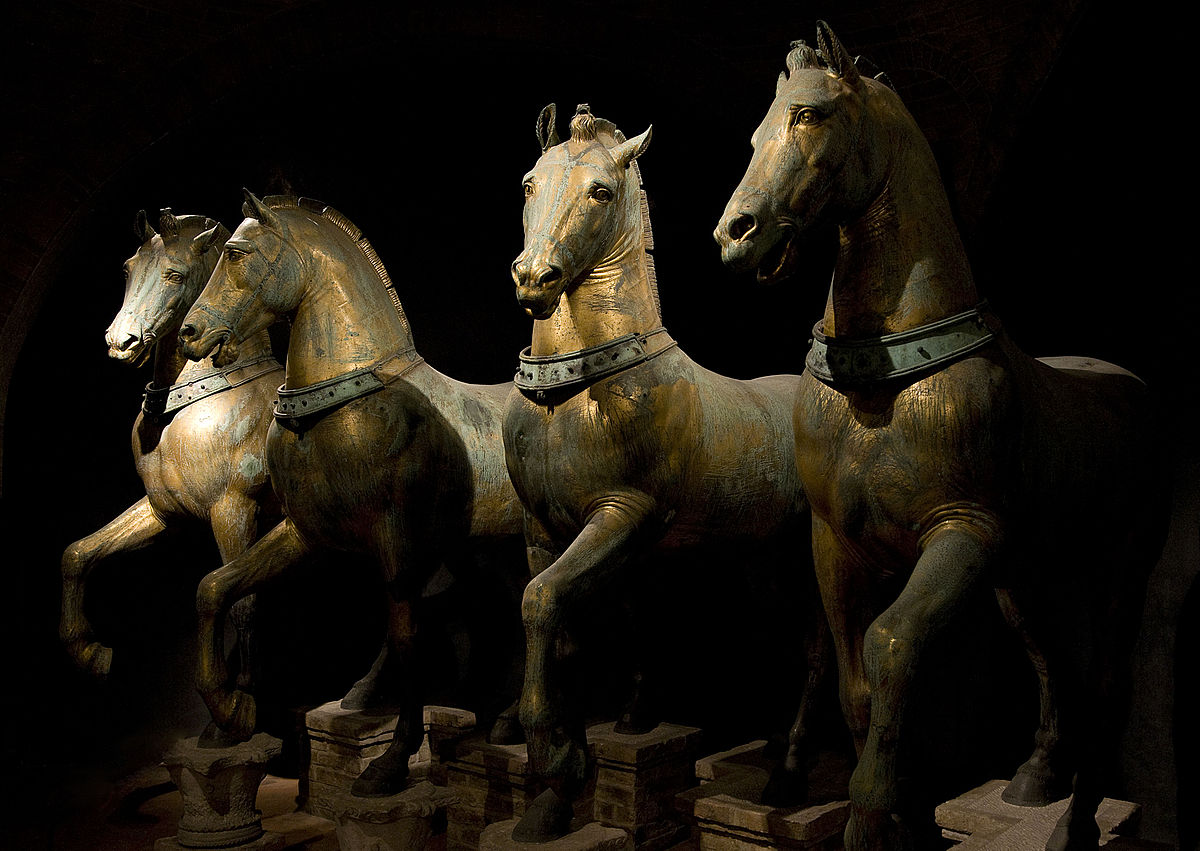 Архитектура Византии. Horses of Basilica San Marco.jpg
