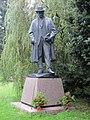 Hronov socha Jirasek 1.JPG