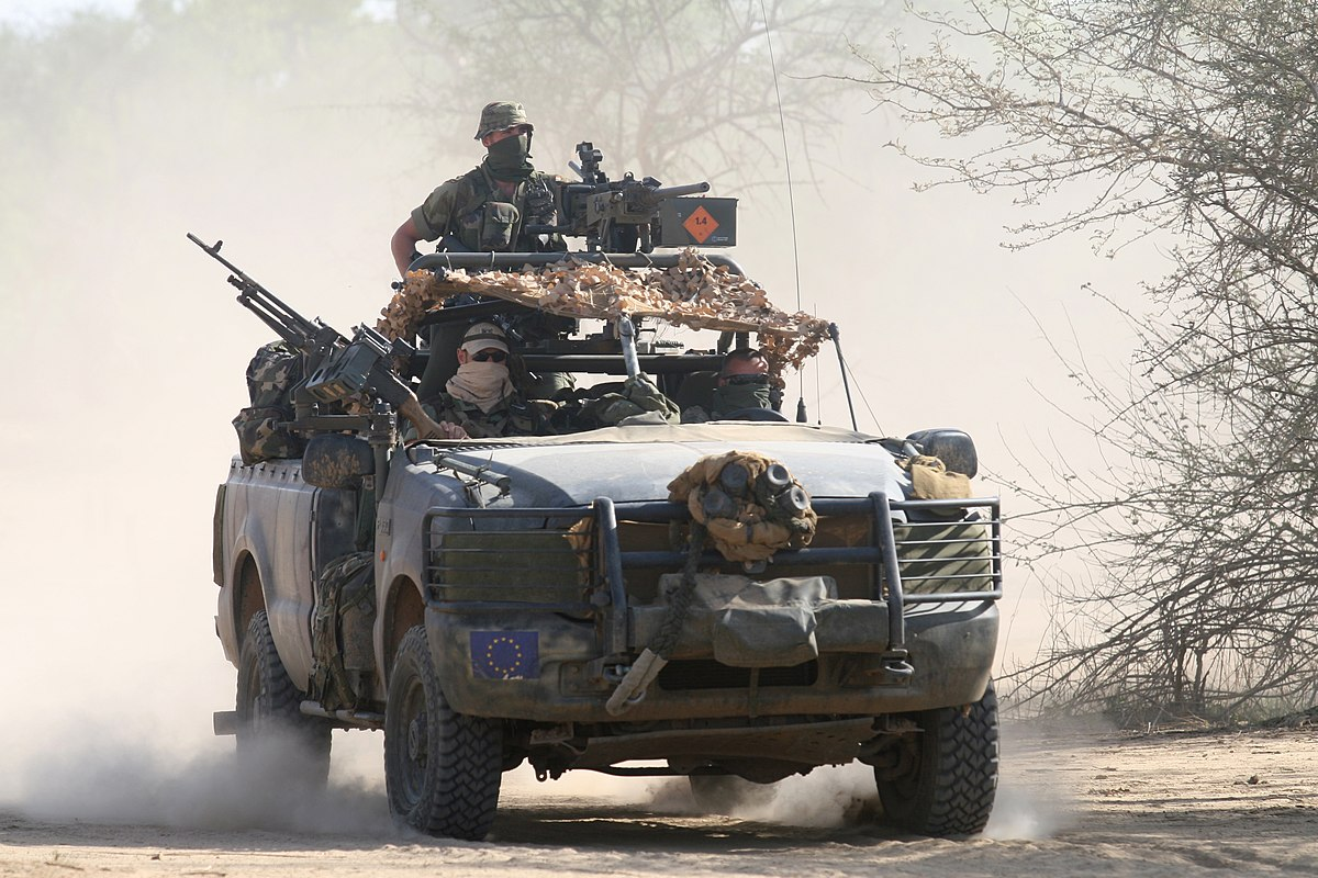 File:Irish Army Ranger Wing Ford Special Recon Vehicle in Chad ...