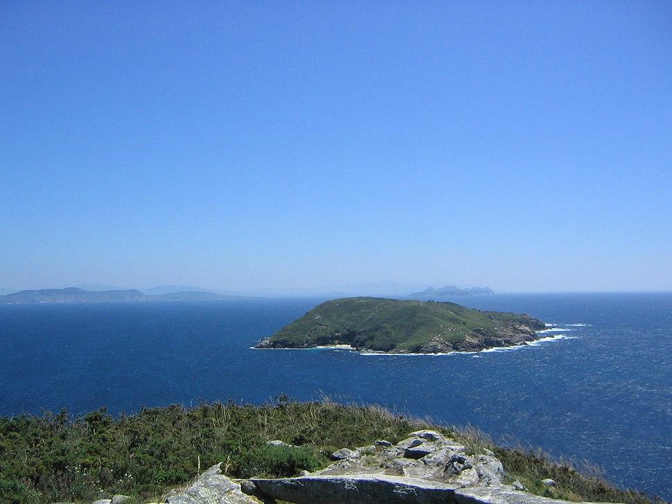 Isla de Ons. Vista desde Fedorentos de la isla Onza