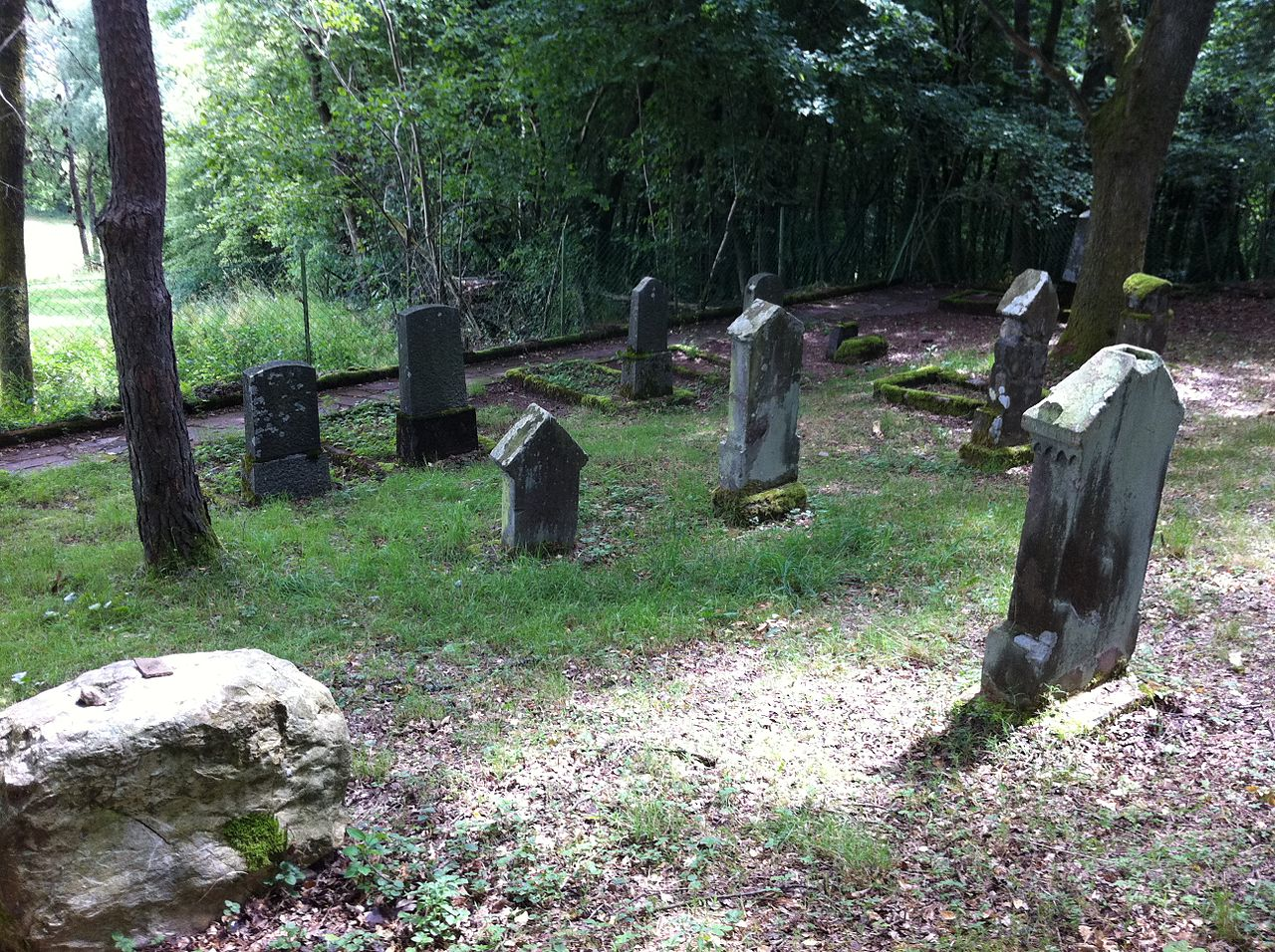 Jüdischer Friedhof Gonnesweiler.JPG