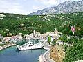Jablanac, mestecko pod Velebitem a pristav trajektu na Rab,.jpg
