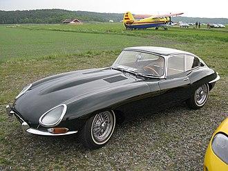 Robert Cumberford - Image: Jaguar E Type Coupé (5747180643)