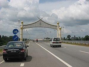 East Coast Expressway - The Sultan Ahmad Shah II Bridge (Semantan Bridge) cross Pahang River.