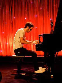James rhodes pianist.jpg