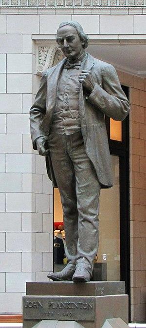 John Plankinton statue - John Plankinton bronze statue at Milwaukee Grand Plankinton Arcade